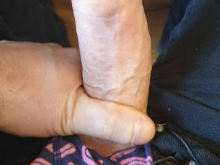 Alone in the office looking at wet Zoig pussy