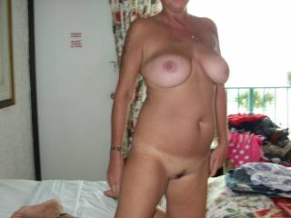 yesss- she is lovely and so sexy -- got me rock-hard mmmm    love to do a 69 with her as you watch ---:) :)