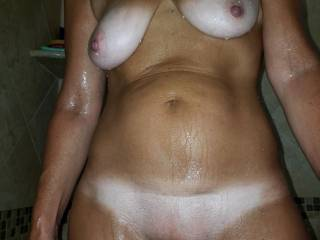Hubby and BF love the tan lines. It\'s so lonely in the shower, cum join me! Want to? What would you do to me?