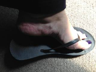 I need someone to take care of my feet. I'm extremely horny for a long, thick dick with hung heavy balls full of cum. Someone that can unload a nice thick wad of cum all over my feet.