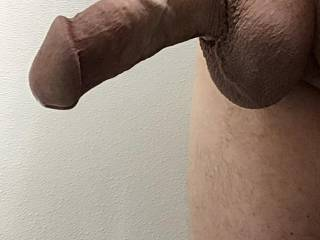 My freshly shaved, thick cock. hope you like!!