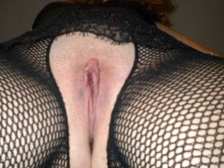 her to me to lick your pussy, wonderfully !!!!!! Beautiful horny eyes ! Nice bayb. Thanks for this wonderful picture