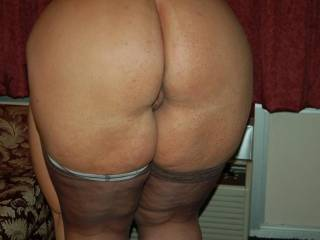 Naughty V\'s ass needs a good spanking, don\'t you agree???