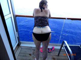 was on a cruise, pulled the curtain open to look at the water, and there she was showing me her ass