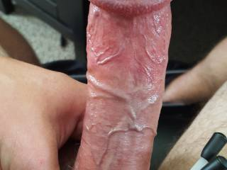 Mmmm.....would love to feel that big cock throbbing in my mouth, that big head