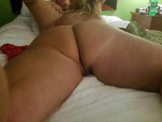 Chick eating my wife's pussy