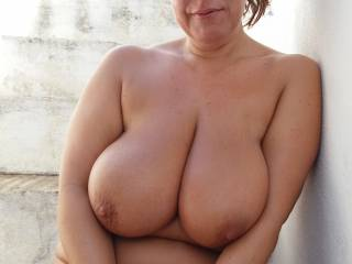 I love being a model for nude pics
