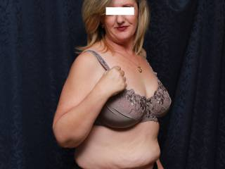 We've posted so much pussy lately lol (and thanks for all the awesome comments!)… that we're going 'soft' this week (awwww!). Black panties for this week's theme x