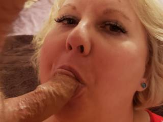 This married slut poses for my cameras with my cock in her mouth. She loves knowing thaf her pics and vids are being used by men to cum, she says she wishes that she could suck you all off. \'Willing Cumbucket\'