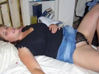 Pics of a UK wife for your comments, ratings and suggestions