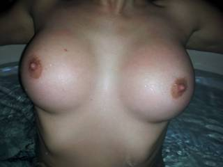 Wow, love to see a good close up of some very fine tits, so sexy. Like to see them covered in a load or 2