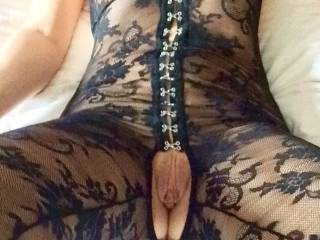 Dont know what RT will be expecting for lunch, but if I had my way I would love to lick and suck your beautiful pussy and have you cum in my mouth... RT can have leftovers :-)