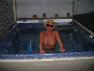 id love to be in the hot tub with you sexy lady.