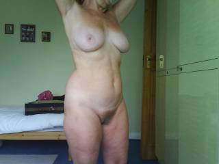Foyur friend has a hot beautiful body, With a beautiful bush,Id love to have the pleasure to please her till she just came with wonderful pleasure manytimes !!!