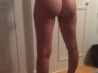 Who likes my arse in a thong and heels ??