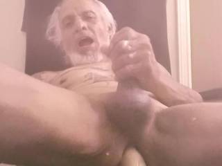 It is getting to the part of the morning,the zoigsters pics n vids have me solo hungry for playtime, before the shower