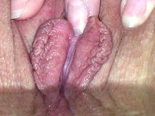 wow what a fucking awesome cunt and the big lips are great