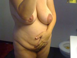 Fantastic tits , just love the way those great big natural udders hang , she is absolutely gorgeous !!