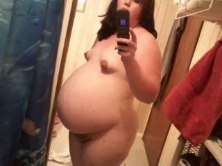 Wow, very sexy.. I have a special cum cream i would love to apply on your pregnant belly... :)