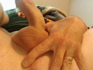 Would love to have this filled... Maybe a lady with a strapon, maybe a throbbing hard cock?