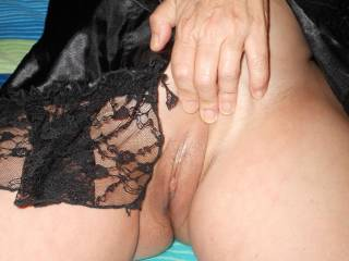Who else wants to play with my pussy?