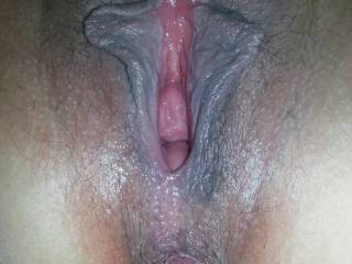 BEAUTIFUL dark lips surrounding such sweet pinkness and nice tight pucker hole. Both lickable and stickable