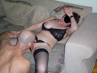 mate licks missus bald pussy