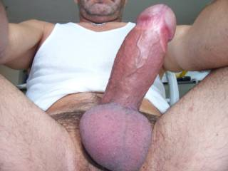 Big, hard...and horny !!