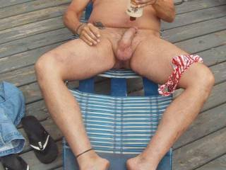 need to jerk off in the HOTT SUNN!! wanna watch?? help out??  video me??