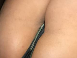 While my freind was in showering an getting ready,his gf on the sofa lifted her legs up looked at me rubbing her Phat puss bulge said he just got in shower.got good 10/15min,an  turned over on her knees an pulled her shorts down spread her holes