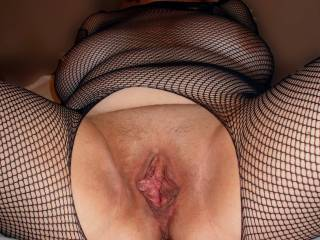 Those sexy lips need sucking first, love the taste of pussy honey