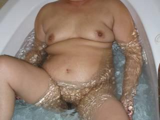 Getting horny in the bath.