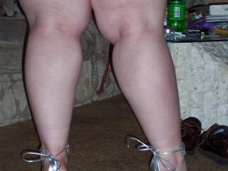 damn fucking hot!! I very much love your mighty meaty legs - must feel great wrapped around me! :-)