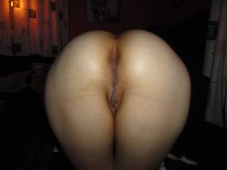Her newly fuckt pussy with my cum in it, Like that view? give her comments!