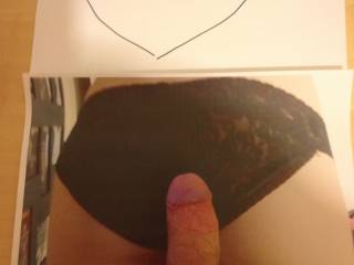 Couldn\'t help myself - had to wank and cum over this lovely bum