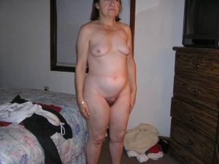 She posed totally nude while I had one of my friends there to see her nude