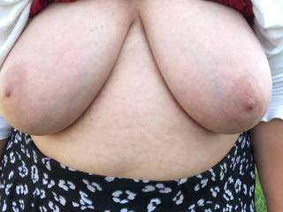 The weather was sunny yesterday, but also windy - as can be heard. My friend has her lovely tits out, and she is bouncing up and down - so they do the same !