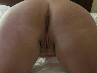 My side pussy on all fours waiting for me! What a great pussy!