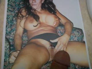 What a great set of tits to cum on