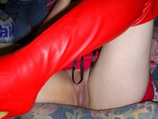 I THINK PUSSY AND BOOTS FITS THIS PICTURE AND I WOULD LOVE TO BE IN THAT PUSSY WHETHER TONGUE, FINGERS OR COCK.....