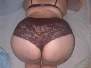 i would love to spank u'r big ass so bad ! i wanna grab that ass on my cock !