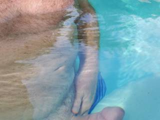 My man stays so hard under water all I want to do is fuck in pool under the sun! Yum!
