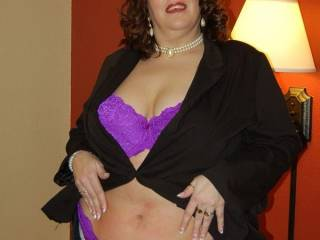 Naughty V stripping for all her zoig fans