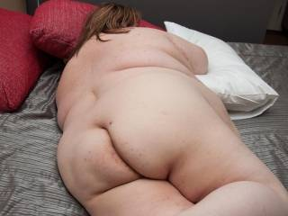 love to have her!! part her ass cheeks and suck and lick her cunt out till she,s ready for a good fucking