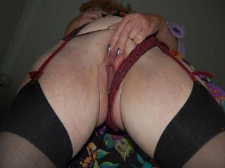 upskirt pic prior to her sitting on my face. ladies .....you like ;o) ?