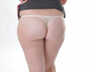 and lady you also have one of the most perfect set of cheeks and yummy long legs i have ever seen a picture of
