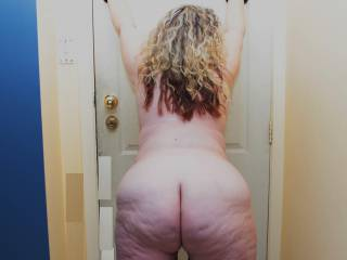 Fuck yes I'm a ass lover big beautiful asses like yours omg I want to grind my cock on it and cover it in cum