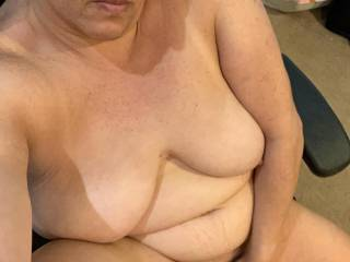 so horny I striped nude n started rubbing my dripping wet pussy ready for hubby to cum home n pound me with his cock