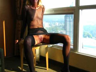 Outstanding view and you look amazing in those cfms!  Long legs and a tight body makes for a spectacular view!