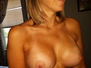 Love catching sexy pics of Mrs happy. Look delicious don\'t they?